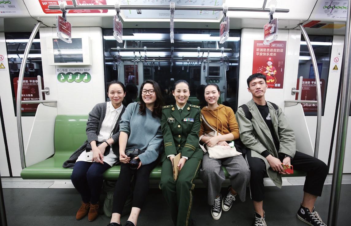 """特殊专列满载全民消防安全需求上海全面展开""""119""""消防宣传月活动"""