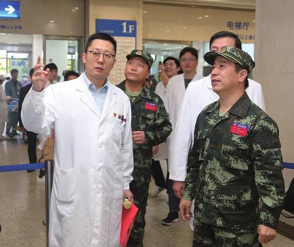 为施救者开辟救助通道上海市瑞金医院率先开通消防救援人员就医优先窗口