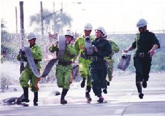 七十回眸:中国消防奋战在人民群众最需要的地方